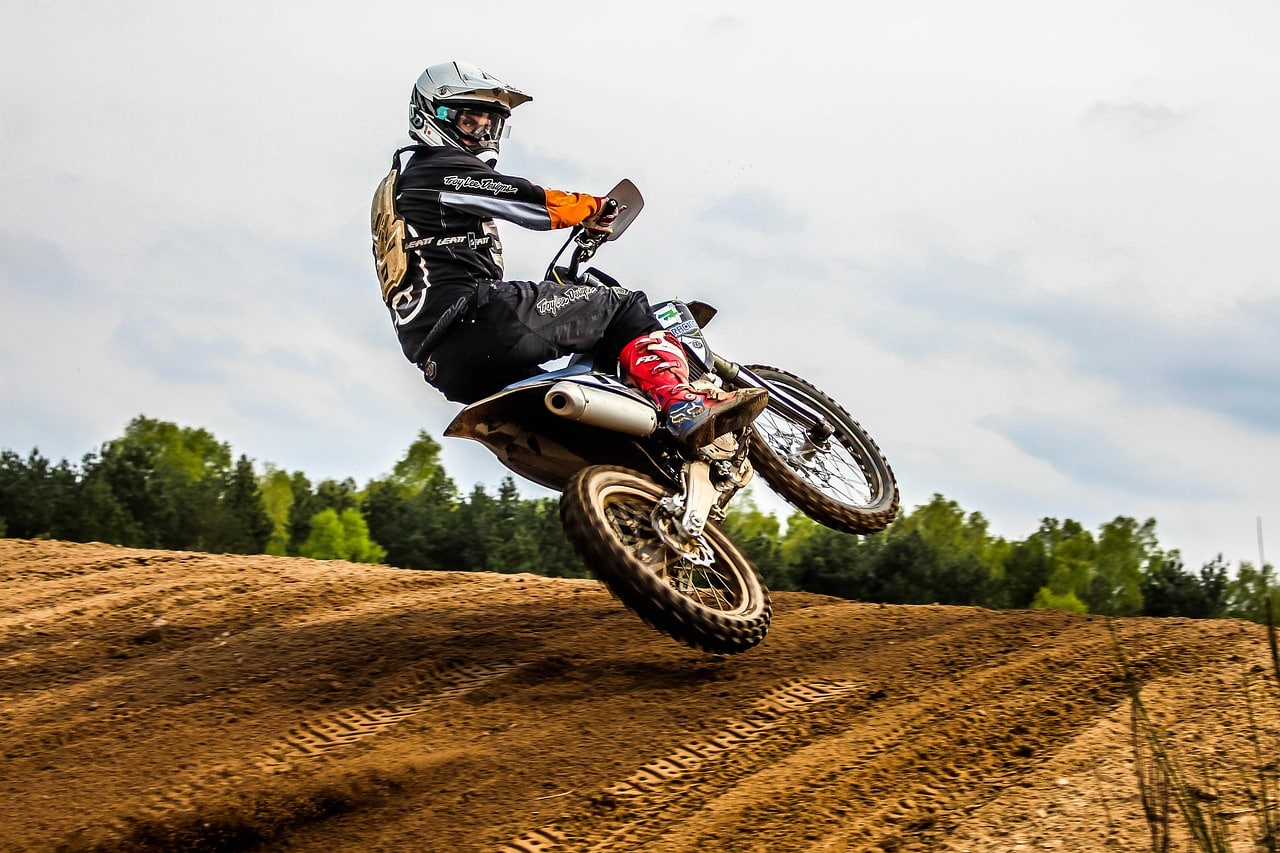 Do Pro Motocross Riders Wear Chest Protectors And Why