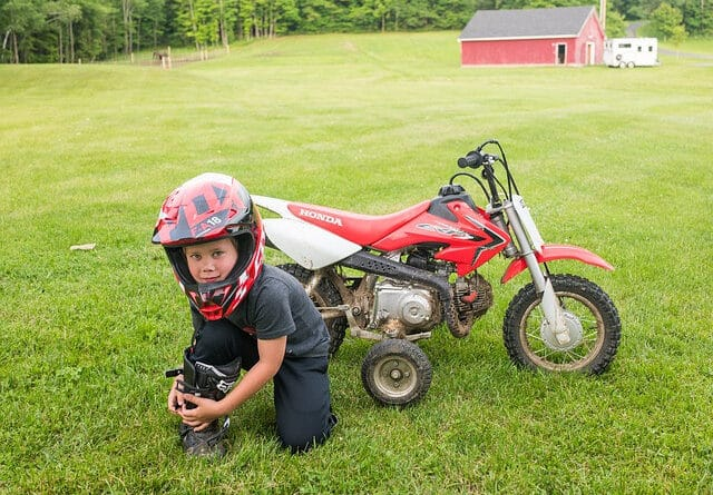 Dirt bikes for 9-year-old kdis